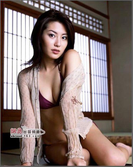 日本美女在榻榻米上都做些什么――贯通日本文化频道