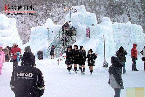 日本美女大雪依然超短裙――贯通日本文化频道