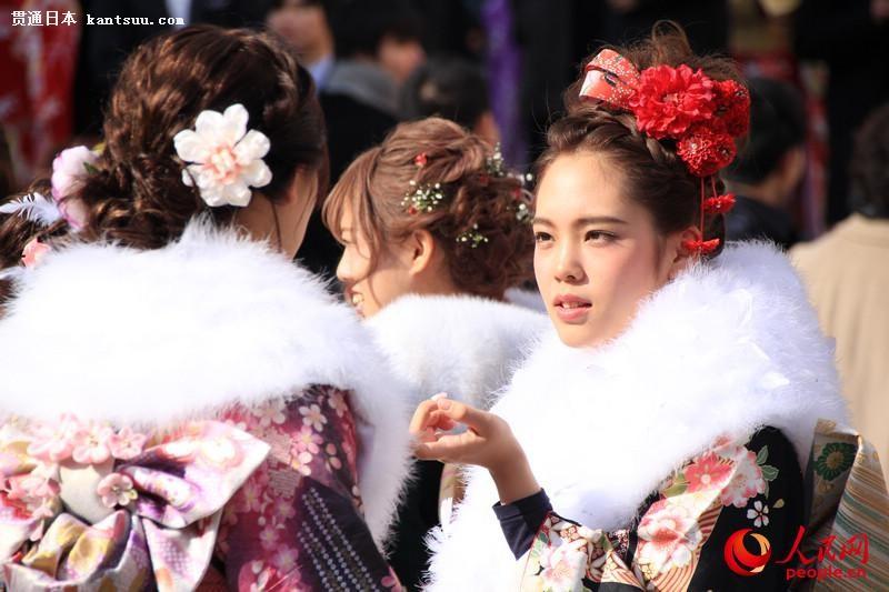 日本年轻人穿和服参加成人式  扮靓街头【5】