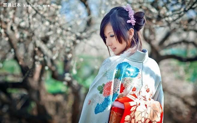 解秘:日本和服背后为什么总背着一个包?