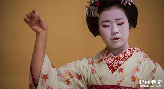 她们陪客人做些什么?揭秘日本艺妓的真实生活