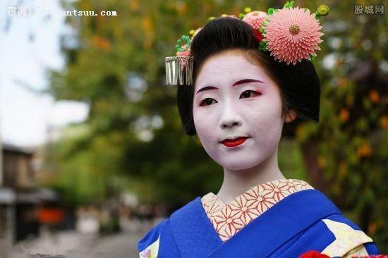 现代日本艺伎生活揭秘 现代日本艺伎的真实生活你造吗常会被误认为是妓女内心是崩溃的