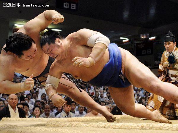 相扑是一种类似摔跤的体育运动,起源于中国,流行于日本