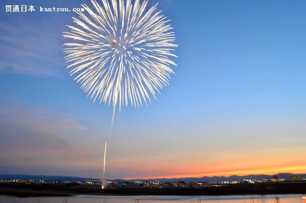 2019日本长冈祭烟花大会举行 观看人数史上最多(图片来源:朝日新闻网站)